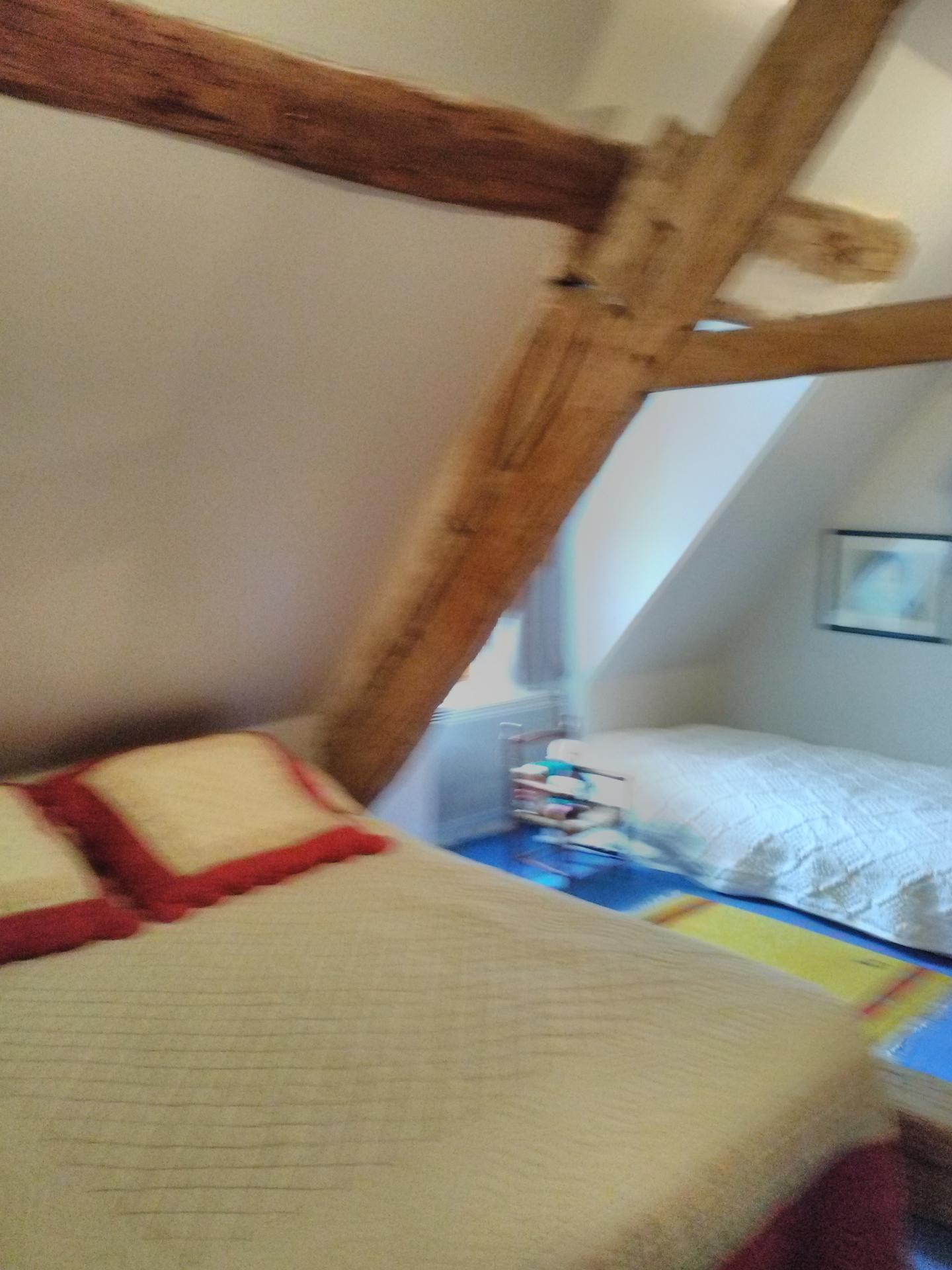 2ème chambre avec un lit 2 places et 2 lits 1 place